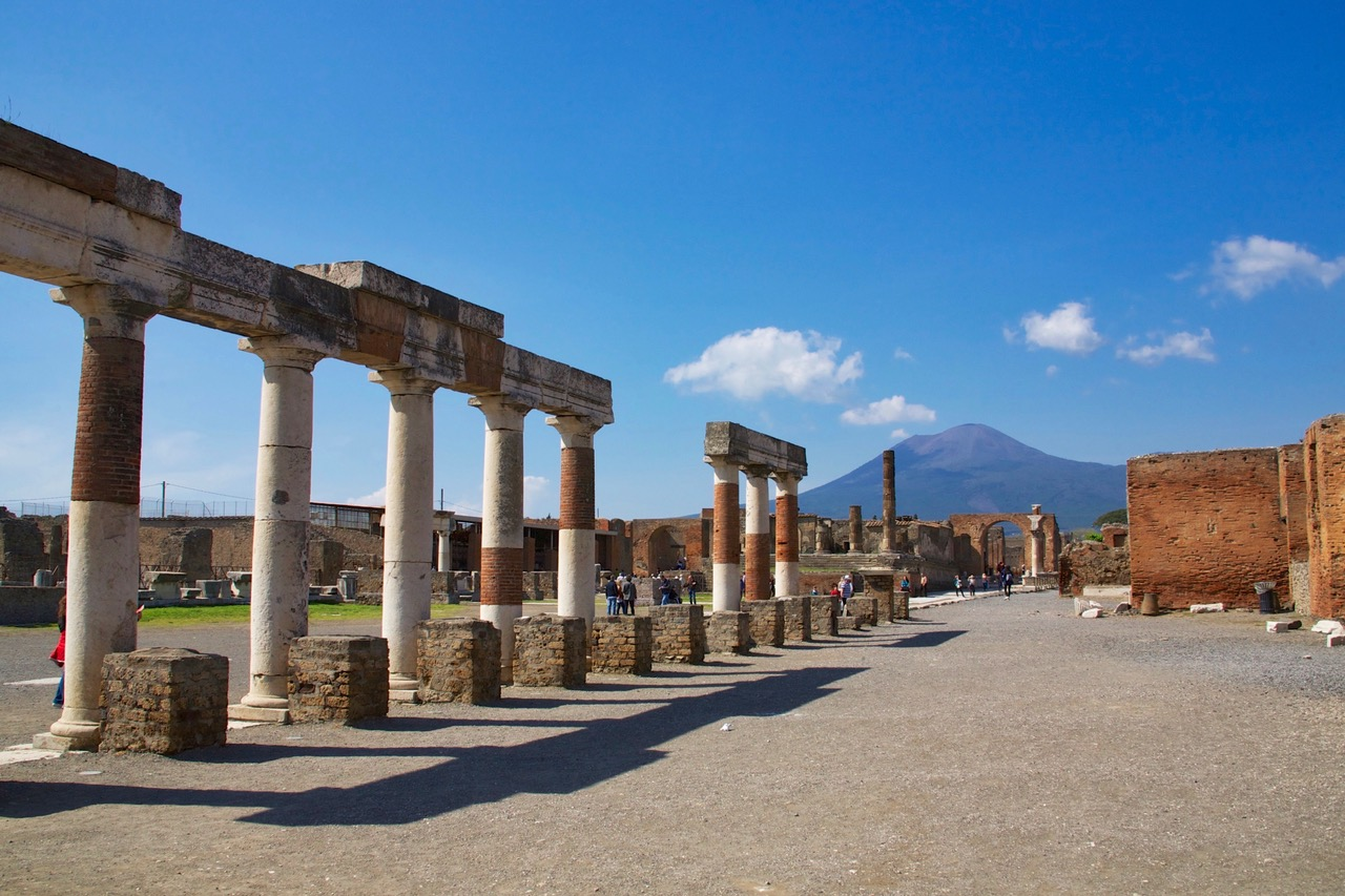 Pompeii with the Vesuvius in the back