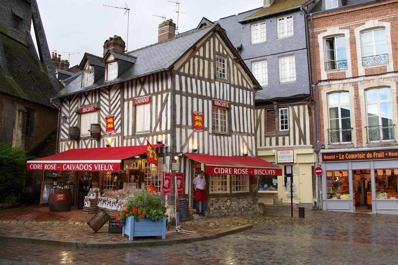 Authentic shop in centre of Honfleur