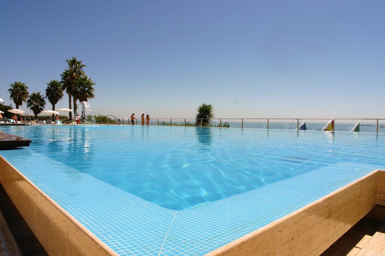 Hotel Miragem pool Cascais, Portugal