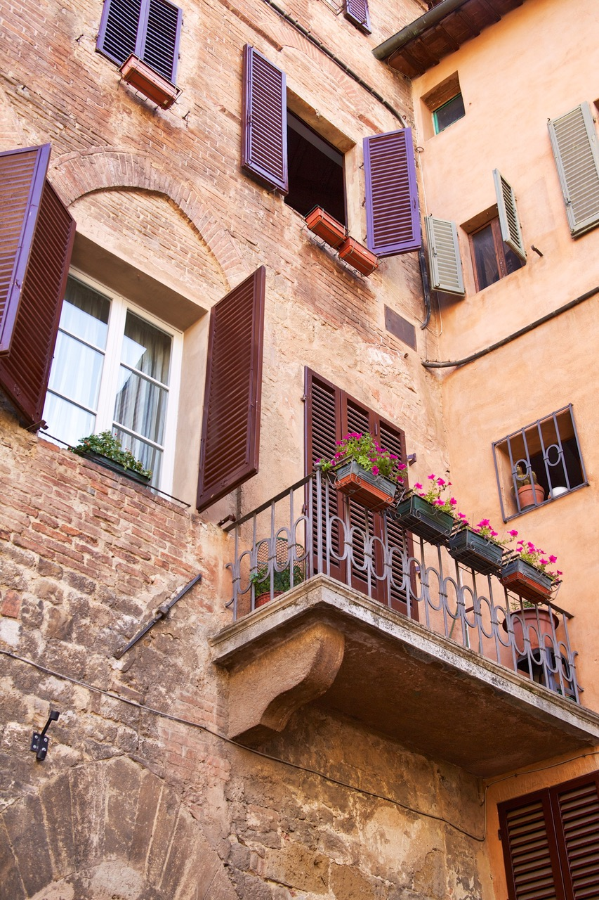 The narrow streets of Siena, Italy
