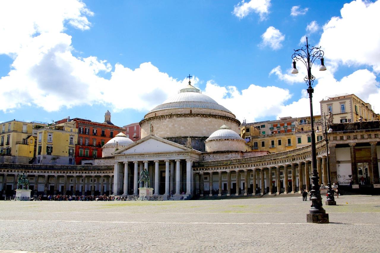 Basilica San Francesco di Paola, Piazza del Plebiscito in Naples