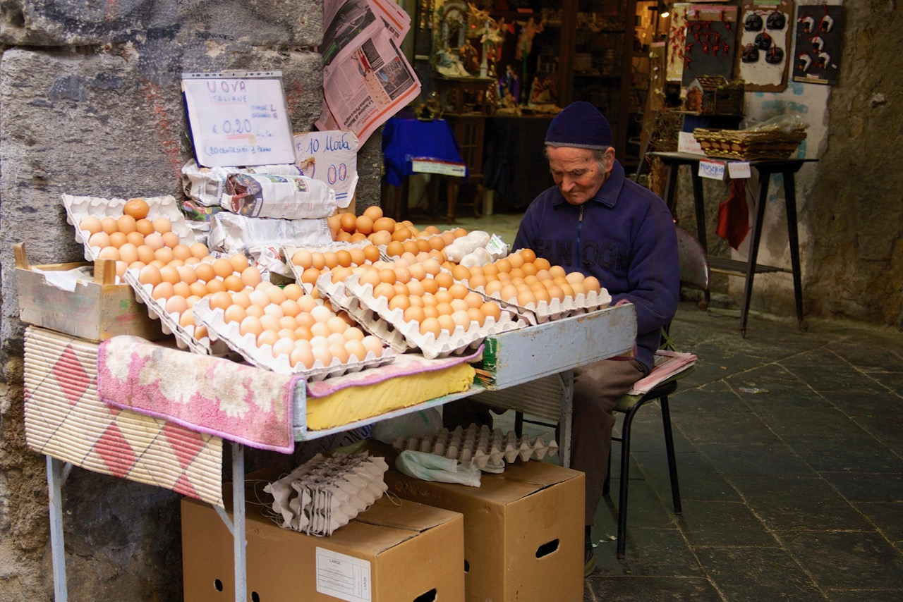 Egg sell-off in Spaccanapoli, Naples