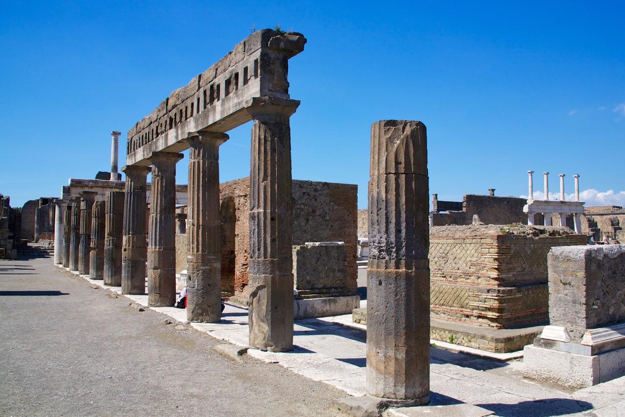 Row of pillars in Pompeii